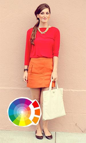 Look cores análogas com saia laranja e blusa vermelha